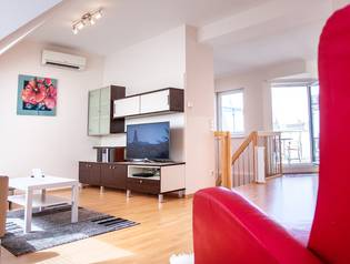 Family Apartment, 4 rooms with Terrace, near U1 -